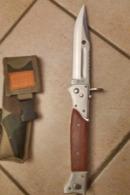 BAIO RUSSE POUR AK 47 ET 74 SEMI AUTOMATIQUE NEUVE AVEC SON ETUI - Armes Blanches
