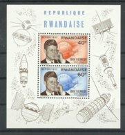 RWANDA YVERT H/B  5  MNH  ** - Rwanda