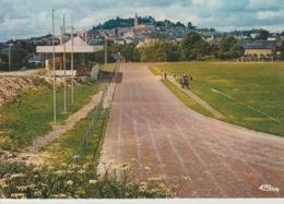 19/ 9 / 218. -  CHATEAU - CHINON  ( 58 ).  LE  PARC  DES  SPORTS  - C P M - Chateau Chinon