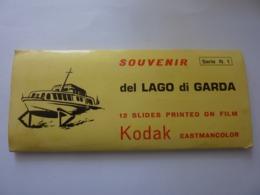 "Souvenir ""Souvenir Del LAGO DI GARDA Serie N. 1  12 Slides  Printed On Film KODAK Eastmancolor""   Anni '60 - Dias"