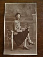 Oude FOTO-kaart  Zittende Dame  Door Fotograaf  OMER  D' HAESE  AALST - Geïdentificeerde Personen