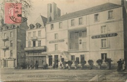 SAINT MALO - L'hôtel De L'Univers Et L'annexe. - Saint Malo