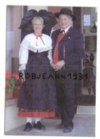 "Gresswiller (67190) Hotel Restaurant  "" L'ecu D'or - Nicole Et Marcel En Costumes Folklorique ) - Otros Municipios"