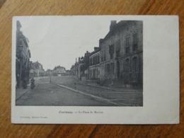 COURTENAY  (Loiret) -- La Place Du Marché - Courtenay