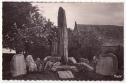 5537 - Plozevet ( 29 ) - Monument Aux Morts ( Sculpteur : Quillivic ) - Phot. Combier à Macon - - Plozevet