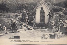 TREMEVEN: Fontaine St-Jacques - Groupe De Lavandières - Francia