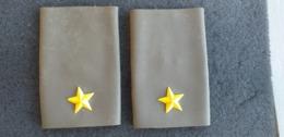 Coppia Tubolari Per Mimetica Verde E.I. Da Sottotenente Mai Usati - Esercito