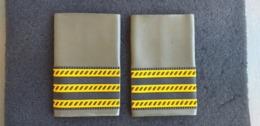 Coppia Tubolari Per Mimetica Verde E.I. Maresciallo Maggiore Per Giacca A Vento Rari - Esercito