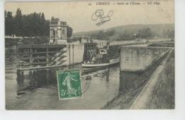 """CROISSY SUR SEINE - Sortie De L'Ecluse (bateau """"GUEPE N° 9 ) - Croissy-sur-Seine"""