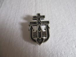 Pin's Croix De Lorraine (Militaria). - Militaria