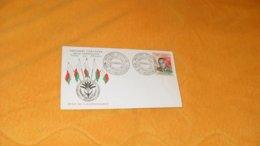 ENVELOPPE FDC DE 1960.../ PRESIDENT TSIRANANA FETES DE L'INDEPENDANCE...TANANARIVE MADAGASCAR..CACHETS + TIMBRE - Madagascar (1960-...)