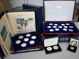 Medaillen Deutschland: FIFA - Fußball: Ein Karton Voller Medaillen Auf Das Große Sommermärchen 2006 - Zonder Classificatie