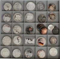 Medaillen Deutschland: Lot 27 Medaillen, überwiegend Modern, Sogenannte Weihnachtstaler 1978-1994 Au - Zonder Classificatie