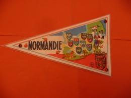 FANION VILLE écusson NORMANDIE - GRANCAMP LES BAINS ( 14450 - Obj. 'Remember Of'
