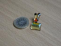 DISNEY. MICKEY.  LA REDOUTE. - Disney