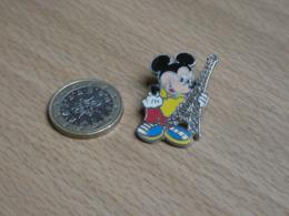 DISNEY. MICKEY.  TOUR EIFFEL. - Disney