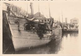 Port En Bessin  - Photo Chalutier - Photo  Besse à Bayeux  De 1964- Scan Recto-verso - Port-en-Bessin-Huppain