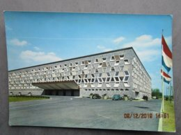 CP Luxembourg  - LUXEMBOURG VILLE - Le Square Robert Schuman  Et Le Théâtre Municipal Vers 1970 - Luxemburg - Town