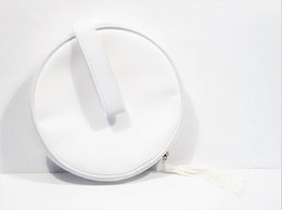 Miniatures De Parfum  TROUSSE à MAQUILLAGE  En SATIN BLANC  Diamètre 16 Cm - Accessoires