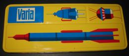 Vintage Tin - Made In GDR - VARIA Deckfarben - Sputnik Era Spoutnik - Boîte De Gouaches Couleurs Opaques - 3 Scans - Other Collections