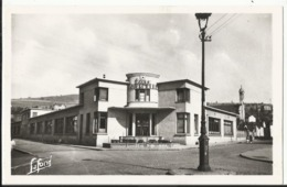 IZIEUX (Loire) Le Groupe Scolaire 1949 - Other Municipalities