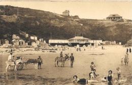Carteret (Manche) Ebats Sur La Plage à Marée Basse, Promenade à âne Devant Le Casino - Edition Le Goubey - Carteret