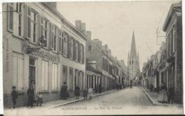 HONDSCHOOTE (Nord) - La Rue De L'Ouest 1917 (Oblitération Militaire Trésor Et Postes, N°21) - Hondshoote