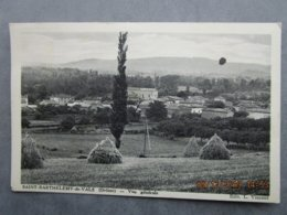 CPA 26 Drôme SAINT BARTHELEMY De VALS - Vue Générale  Du Village - Champs Avec Meules De Paille Vers 1930 - Autres Communes