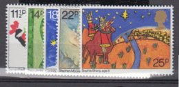 GRANDE BRETAGNE      1981     N°     1011 / 1015        COTE      4 € 50                ( W 173 ) - Neufs