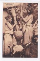 CP ETHIOPIE Femme Gallas Pilant Le Grain - Ethiopie