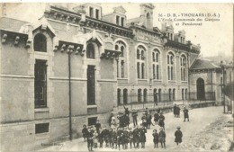 THOUARS.  L'Ecole Communale Des Garçons Et Pensionnat. - Thouars
