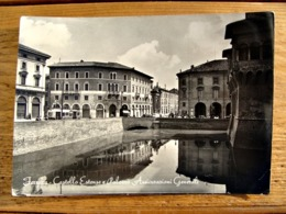 (FG.Y50) FERRARA - CASTELLO ESTENSE E PALAZZO ASSICURAZIONI GENERALI (viaggiata 1956) - Ferrara