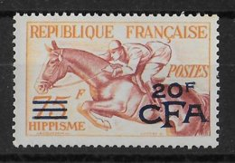 REUNION - YVERT N°318 ** MNH - COTE = 93 EUR. - HIPPISME - Réunion (1852-1975)