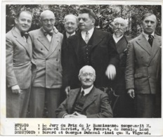 Paris  1939  Ou 1938 Georges Duhamel Et Autres Jury Du Prix Renaissance  Au Dos Cachet HAVAS  18x13 Cm - Personnes Identifiées