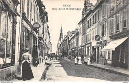 89-SENS-RUE DE LA REPUBLIQUE-N°R2049-D/0127 - Sens
