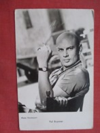 Yul Brynner  Ref 3610 - Actors