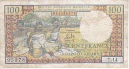 BILLETE DE MADAGASCAR DE 100 FRANCS DEL AÑO 1966  (BANKNOTE) - Madagaskar