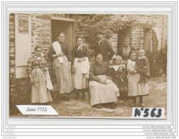 3841 AK/PC/CARTE PHOTO/N°563/GROUPE DE SERVEUSES FAMILLE ENFANTS CAFE A IDENTIFIER - Cartoline