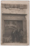 Carte Photo Magasin De Cycles Electricité Atelier D Réparation Vélo à Identifier - Geschäfte