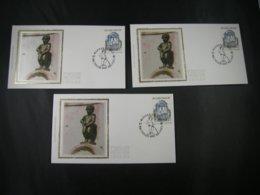 "BELG.1992 2468 3 X FDC ( Bruxelles/Brussel ) Soi/zijde  :  "" Manneken Pis "" - FDC"