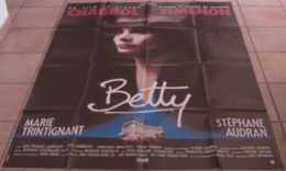AFFICHE CINEMA ORIGINALE FILM BETTY Claude CHABROL Marie TRINTIGNANT Stephane AUDRAN TBE 1992 SIMENON - Affiches & Posters