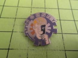 411e PINS PIN'S / Beau Et Rare : Thème MUSIQUE / CHANTEUR BELGO-FRANCO-SUISSO-RICAIN JOHNNY HALLYDAY - Musique