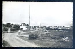 Cpsm Du 22 Ile Grande Fontaine Saint Sauveur Et Le Quartier Du Port  --- Pleumeur Bodou   LZ112 - Pleumeur-Bodou