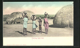 CPA Carrying Kafir Beer, Afrikanische Des Enfants Avec Schalen Auf Dem Kopf In Ihrem Dorf - Völker & Typen