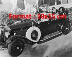 Reproduction D'une Photographie Ancienne De 4 Dames Dans Une Cabriolet Packard Avec Siège Rumble En 1929 - Riproduzioni
