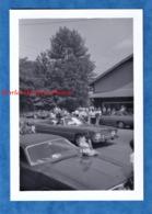 Photo Ancienne Snapshot - USA - Défilé D'une Miss En Auto , CADILLAC ? - American Life Auto Car Fille Mode Robe - Automobiles