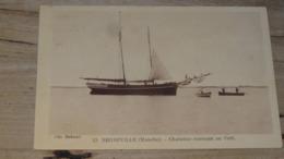 REGNEVILLE : Chalutier Rentrant Au Port …... … NR-3953 - France