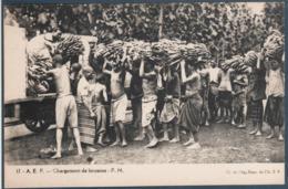 Afrique Equatoriale Française , Chargement De Bananes Dans Un Camion , Animée - Tchad