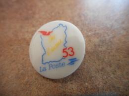 A040 -- Pin's Poste 53 Porcelaine - Postes