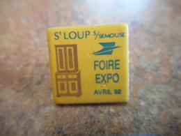 A040 -- Pin's Poste Foire Expo Avril 92 St Loup Sur Semouse - Postes